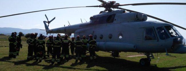 Vatrogasci otočkog DVD-a na osposobljavanju za prijevoz helikopterom