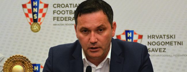 Umjesto da smijeni gubitnika Šutića, Kustić daje priopćenja u maniri Centralnog komiteta Saveza komunista!