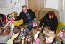 """Poduzeće Gacka d.o.o. darivalo polaznike dječjeg vrtića """"Ciciban"""""""