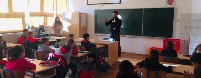 Edukativno predavanje učenicima o sigurnom kretanju i orijentaciji u prirodi