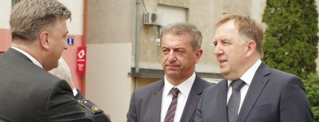 Vlada mora raspustiti Gradsko vijeće Otočca. Da li će kod Plenkovića prevladati poštivanje zakona ili stranački interesi?