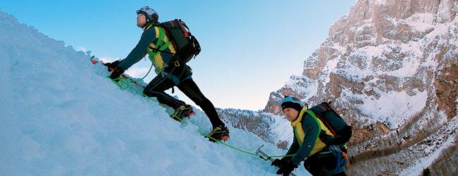 Otočki alpinisti započeli novu godinu penjanjem po Jalovečkoj grapi