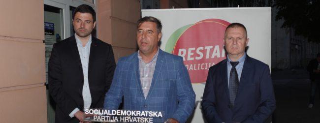 Davor Bernardić u Otočcu: HDZ je u zadnjih 30 godina uništio industriju u Hrvatskoj
