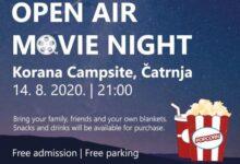 Kino na otvorenom u kampu Korana