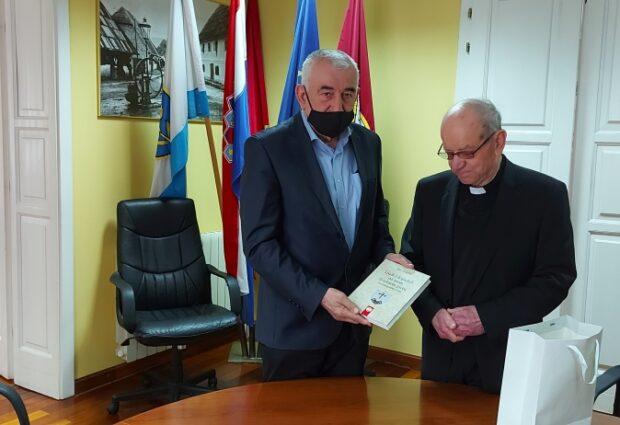 Gradonačelnik Stjepan Kostelac primio mons. mr. Tomislava Šporčića