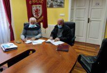 Gradonačelnik Kostelac potpisao ugovor sa Udrugom umirovljenika Otočac