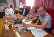 U Karlobagu potpisan ugovor vrijedan 4 milijuna kuna za izvanrednu sanaciju dijelova luke Karlobag