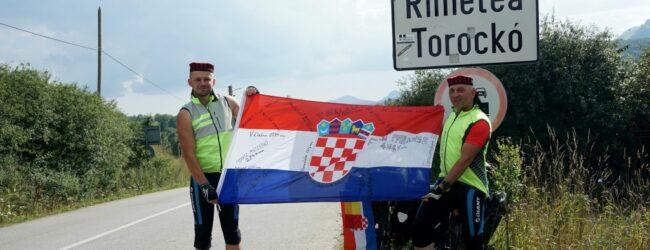 Otočani biciklima iz Like do Rumunjske i Transilvanijskih stijena