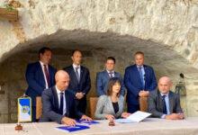 Potpisani ugovori za unapređenje lučke infrastrukture na području gradova Senj i Rab