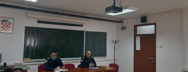 U PU ličko-senjskoj održan radni sastanak o protočnosti prometa u zimskim uvjetima
